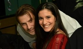 Αγησίλαος Αλεξίου: Με την Ελένη Βαϊτσου στα γενέθλια της Τζούλη Τσόλκα   Ο Αγησίλαος Αλεξίου πρωταγωνιστεί στα Δίδυμα Φεγγάρια.  from Ροή http://ift.tt/2ln8sIv Ροή