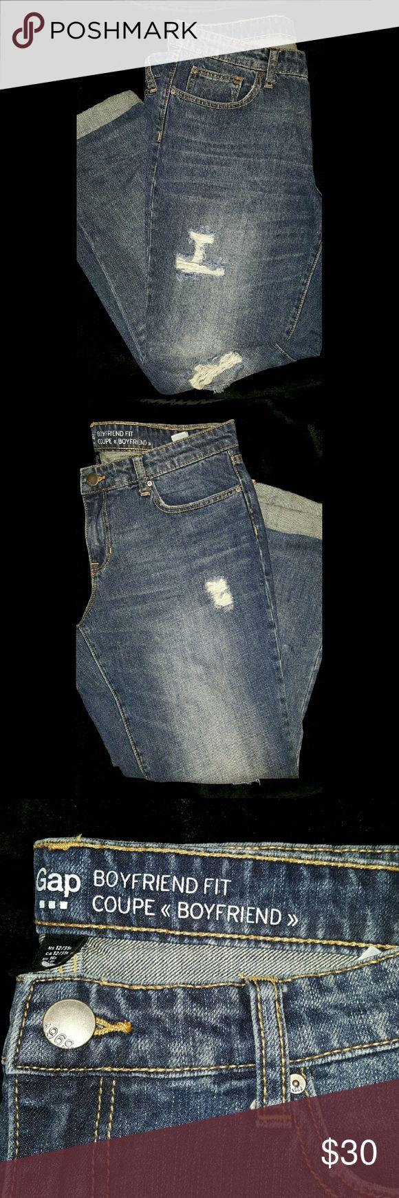 Gap Boyfriend Fit Jeans 100% Cotton Trendy Distressed Dark Denim Boyfriend Jeans. Size 12/31r GAP Jeans Ankle & Cropped