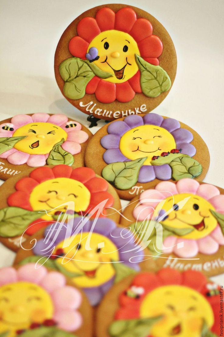 """Купить """"Забавные цветочки"""" - комбинированный, имбирные пряники, именной подарок, имбирные пряники на заказ, пряник"""