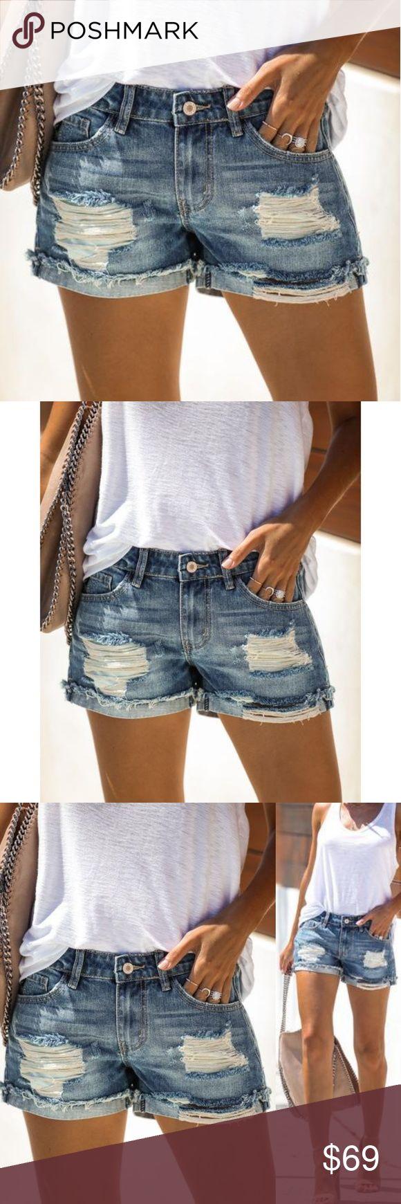 Distressed Denim Shorts mit Cutoff-Bündchen Distressed Denim Shorts mit Cutoff-Bündchen   – My Posh Picks