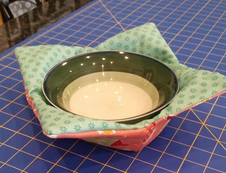 "Microwavable Bowl ""Potholders"" From Cotton Crates - lots of Fat Quarter Friendly projects."