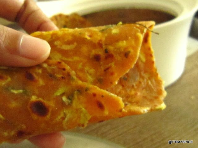 It's my Spice !: Lauki na Thepla / Spiced indian flat bread