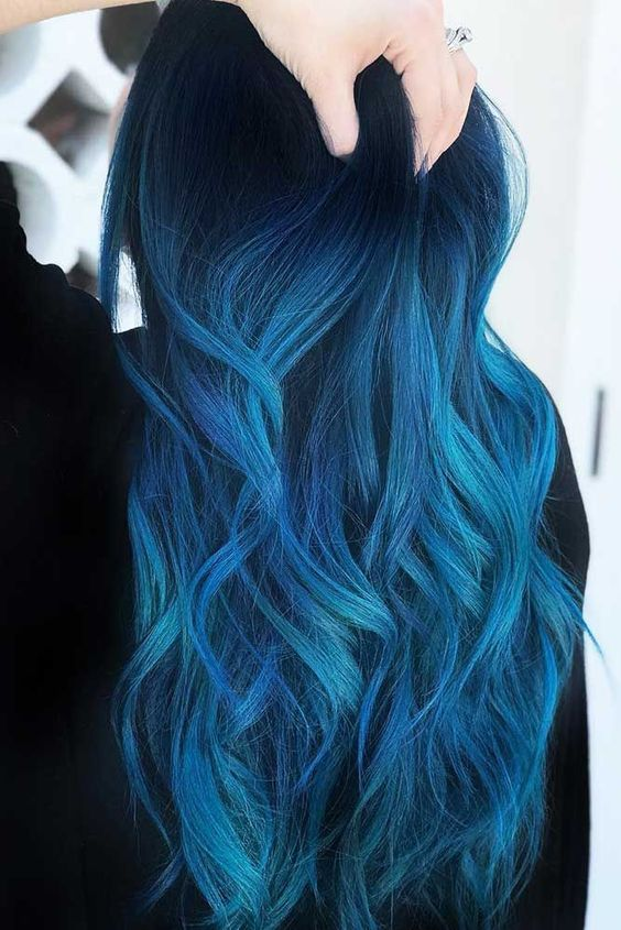 Pelo Color Azul, Blue Black Hair Color, Dark Blue, Colorful Makeup, Colourful Hair, Skin Treatments, Ombre Hair, Neon Hair, Dyed Hair