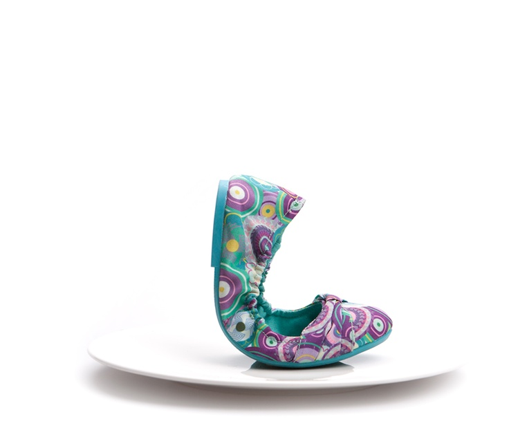 Print Desigual #Shoes  The recipe of the master shoemakers has been passed down to the Desigual world, still keeping all the flavours of the house's prints.