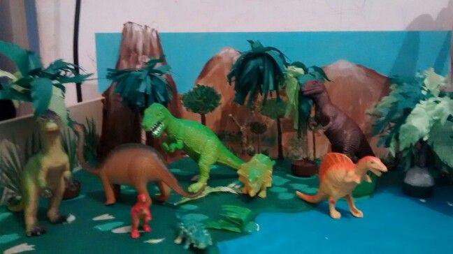 Maqueta de dinosaurios educaci n maqueta de for Para desarrollar un parque ajardinado