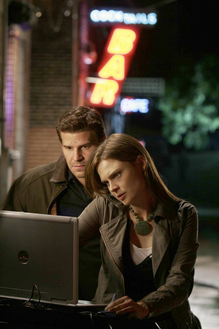 Bones - Season 1 Episode 4 Still