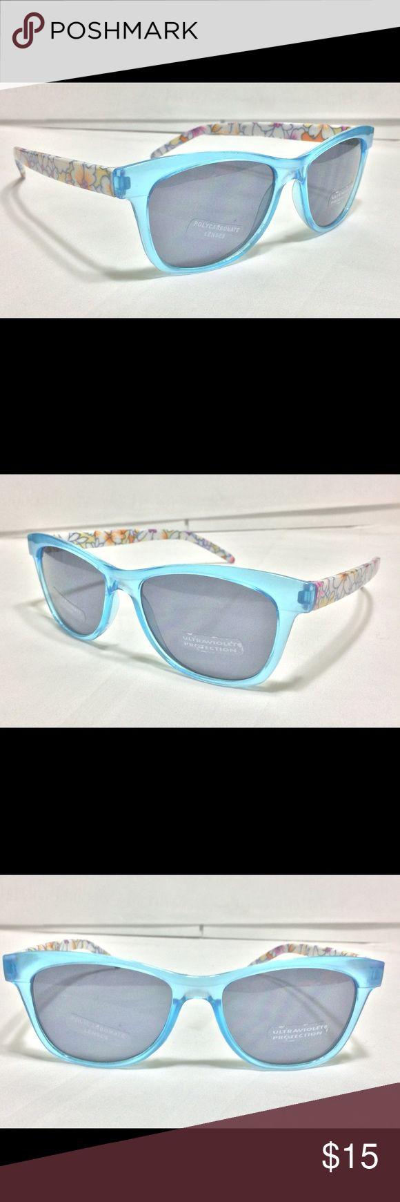 🕶🆕 Ladies Polycarbonate 100% UV Sunglasses 🆕🕶 🕶🆕 Ladies Polycarbonate 100% UV Sunglasses 🆕🕶 - Will include various accessories for sunglasses, including a case. Accessories Sunglasses