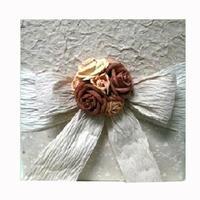 Beautiful handmade photo album with 7 roses