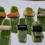 笹巻けぬきすし総本店 - 料理写真:上段 たまご、えび、でんぶ、光り物、下段 白身魚、かんぴょう巻×2