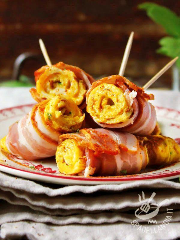 Omelette rolls - Gli Involtini di frittata sono una di quelle idee salvatempo che risolve il solito problema di cosa preparare per cena e sono un'idea per un apericena! #involtinidifrittata
