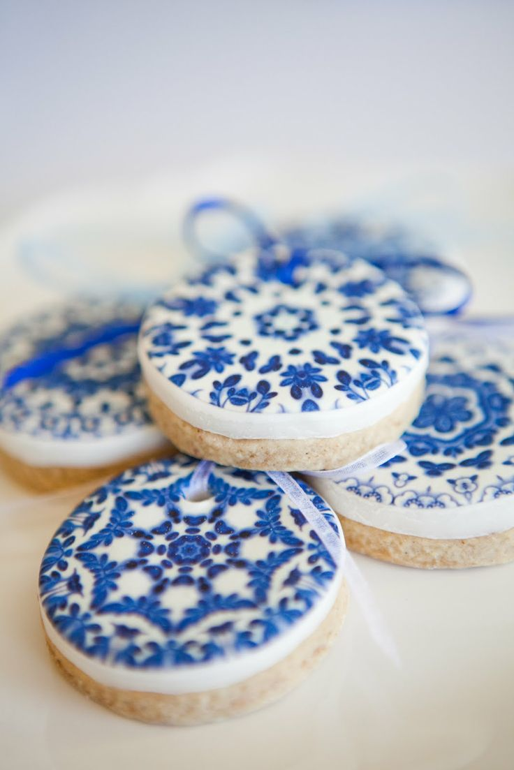 """Delft inspired cookies decorated with a Delft edible image. From """"Just call me Martha."""""""
