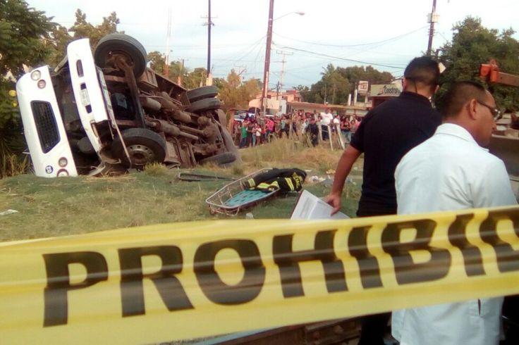 Arrolla tren a camión de pasajeros en Costa Rica una mujer muerta y un herido - Noroeste