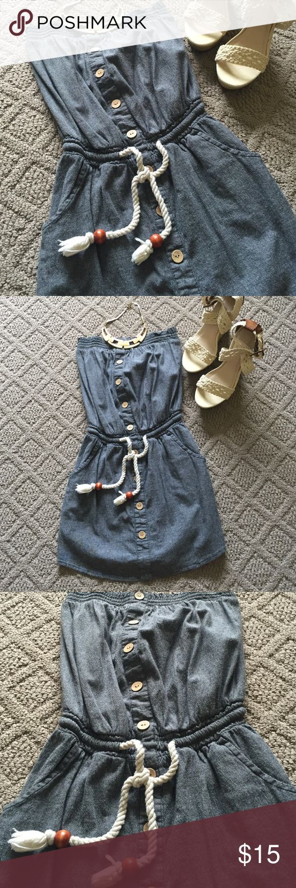 """Super Cute Strapless dress!! Strapless dress can be worn casually with sandals or dressed up with cute wedges and a statement necklace.  So sad this doesn't fit me anymore.  It was one of my favorites!  Top to bottom approximately 25"""".  Has a denim look to it. Derek Heart Dresses Strapless"""