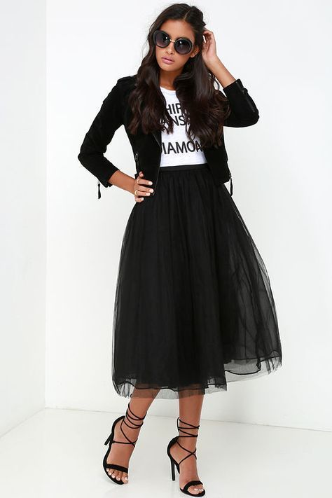 Jupon en tulle : New York Midi Girl Black Tulle Skirt at Lulus.com!
