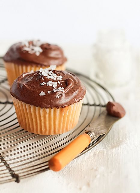 Something out of the box: Chocolate, Olive Oil & Sea Salt Cupcakes