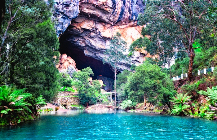 Blue Lake near Jenolan Caves. Is the water really this blue? Wow!
