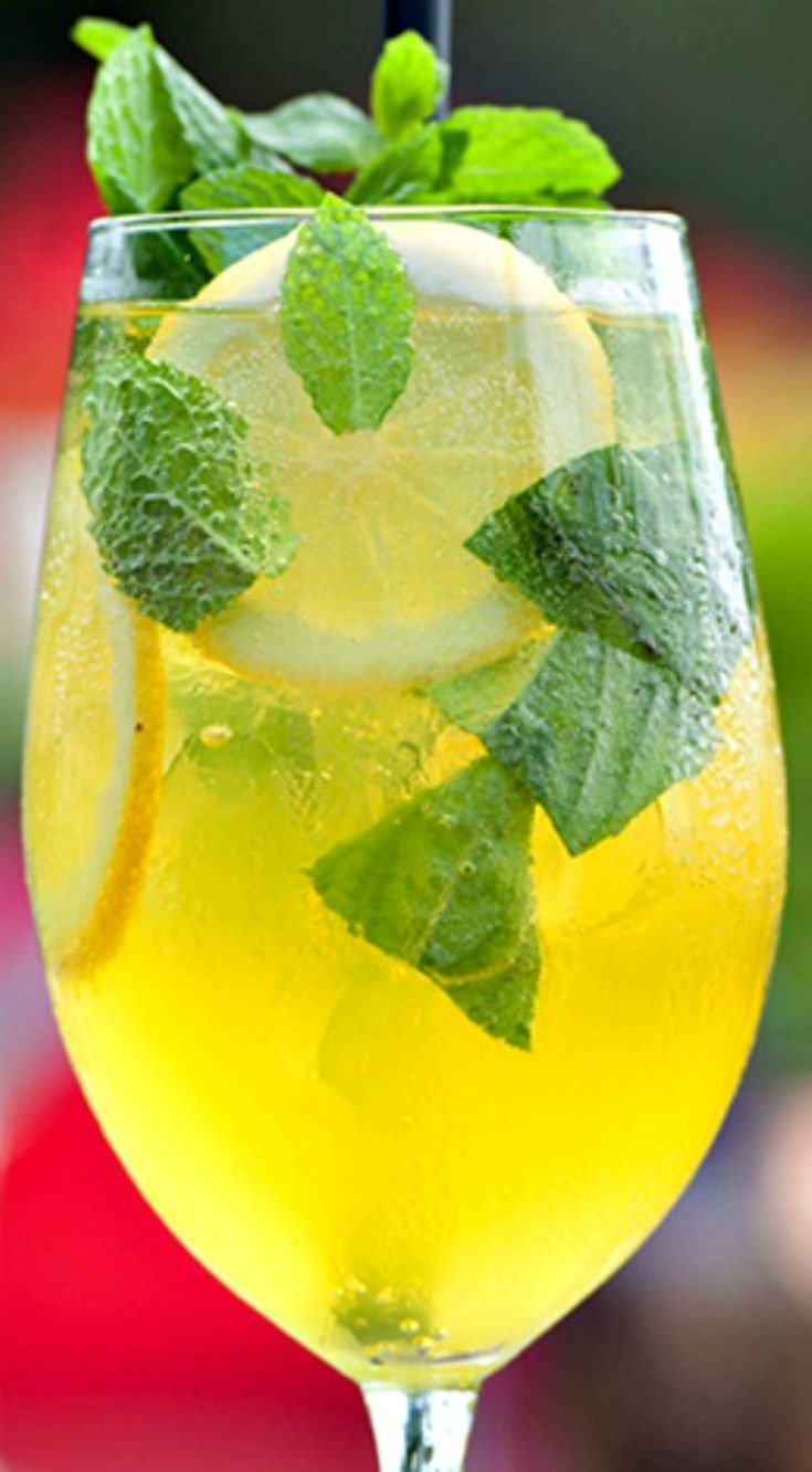 Limoncello Spritz My Top Ten Italian Cocktails for Summer