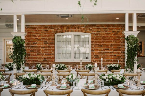LOVESTRUCK WEDDINGS //  Margie + Rob // Gabbinbar Homestead Toowoomba. As seen on Junebug Weddings. Photo by Edwina Robertson.