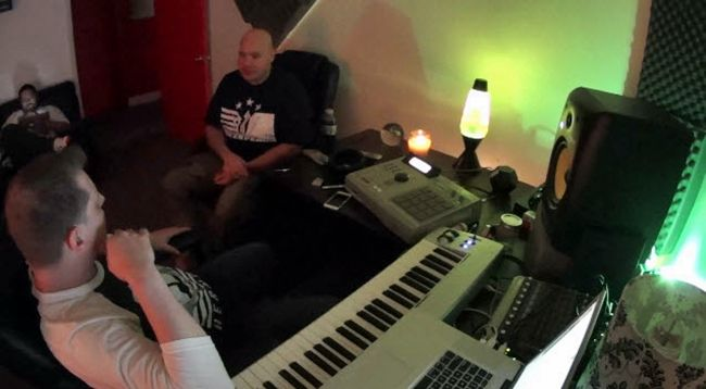Fat Joe & Scott Storch Back In The Studio- http://getmybuzzup.com/wp-content/uploads/2014/02/Fat-Joe-scott-storch.jpg- http://getmybuzzup.com/fat-joe-scott-storch-back-studio/- By C. Vernon Coleman Scott Storch's struggle with drug addiction has been well documented, but the former hit maker has spent the last couple of years mending broken relationships and trying to get back to his top spot musically. Recently, Storch has been seen working with Pusha T. He even...