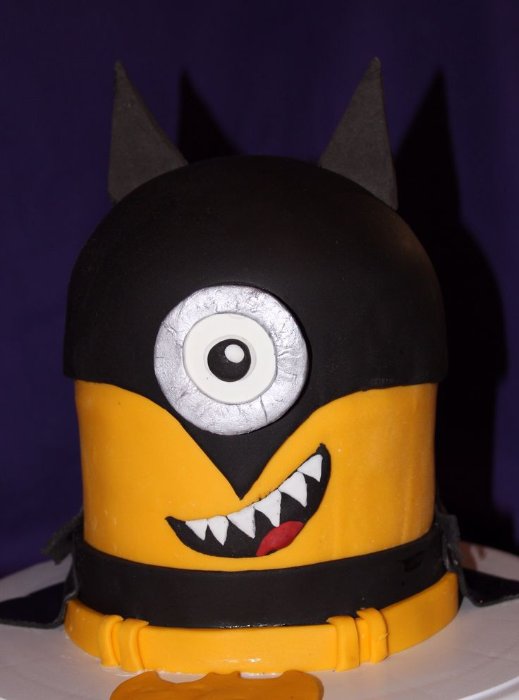 My eldest boys Birthday Cake, you're never too old for a Minion!