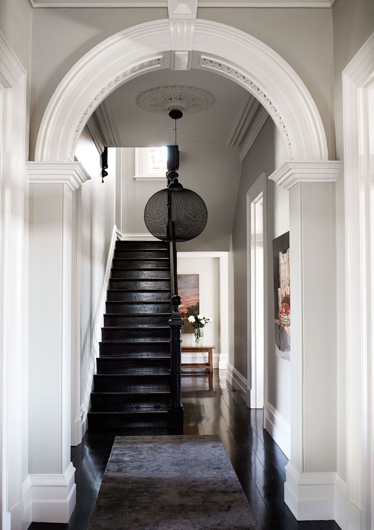 Entry from bold restoration of heritage Brisbane home. Photography: Jenni Hare