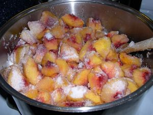 Peach Jam Spiced / A hint of cinnamon gives this peach jam a spicy warm flavor. Leave out the spices for a standard peach jam. Equally delicious.