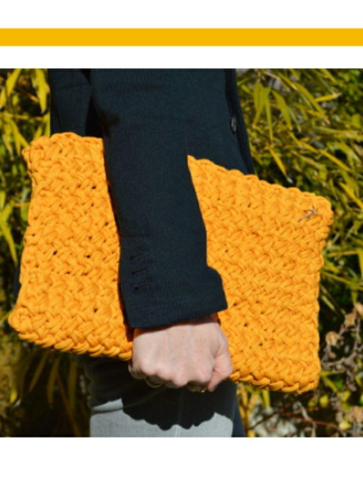 Mostaza clutch. #knitting #tejer #moda #fashion #clutch