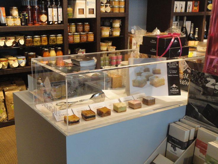 Visite de la boutique chez bon  Par ici: http://mimi-gwastell.tumblr.com/
