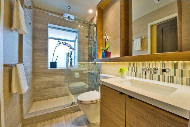 Banheiro asiático contemporâneo