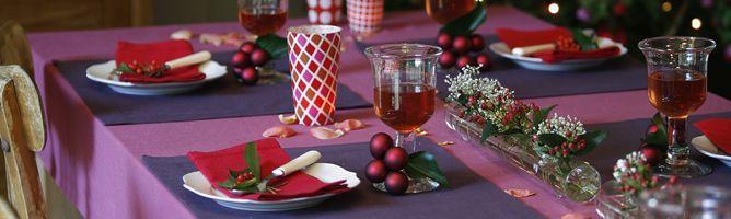 Centros de mesa navideños para mesas rectangulares.la mesa en Navidad