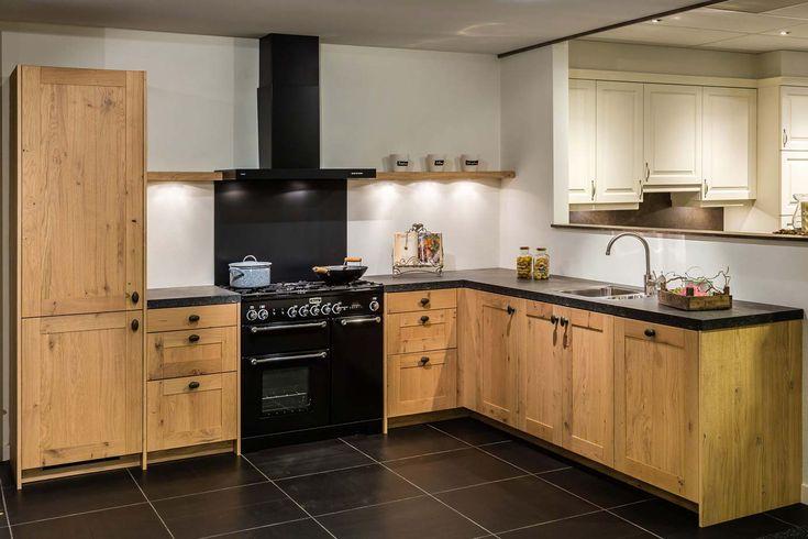 Houten keuken. Strak met ambachtelijk eiken. | DB Keukens