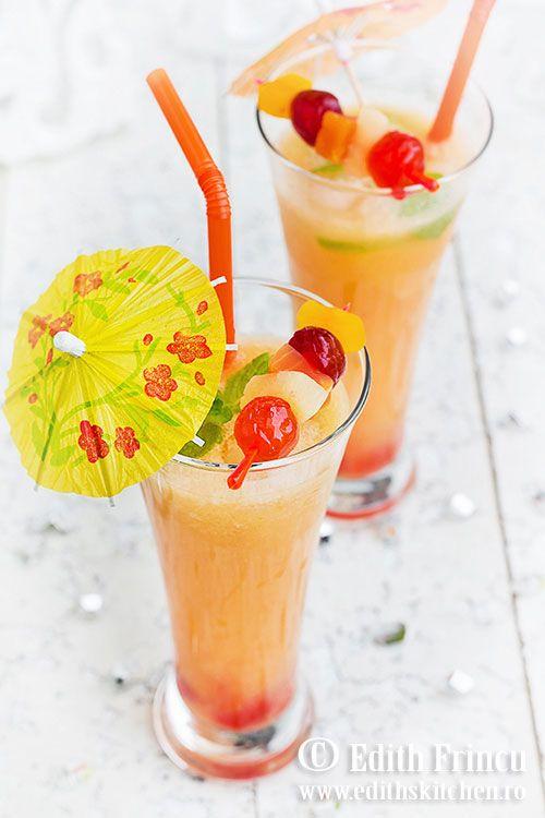 Limonada cu fructe exotice - o limonada mereu la indemana, facuta din conserve de fructe exotice, cu suc de lamaie.
