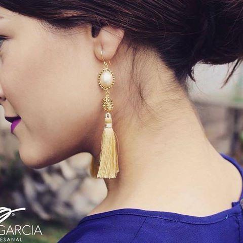 💛💛💛PG💛💛💛 #patriciagarciaaccesorios #chapadeoro #aretes #earrings #motita #losmochis #joyeriaartesanal #handmadejewelry #hechoamano #jewerly #losamo #perla #artemexicano #moda #fashion #style