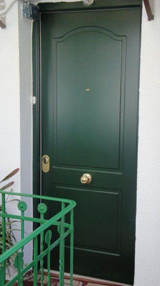 Puerta de entrada a medida
