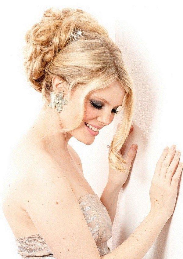 romantischer look-steckfrisuren hochzeit-elegant gedrehte strähnen