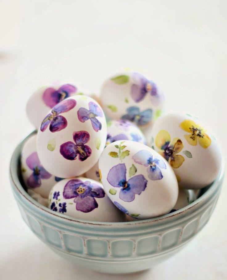 Decoupage floral Easter eggs