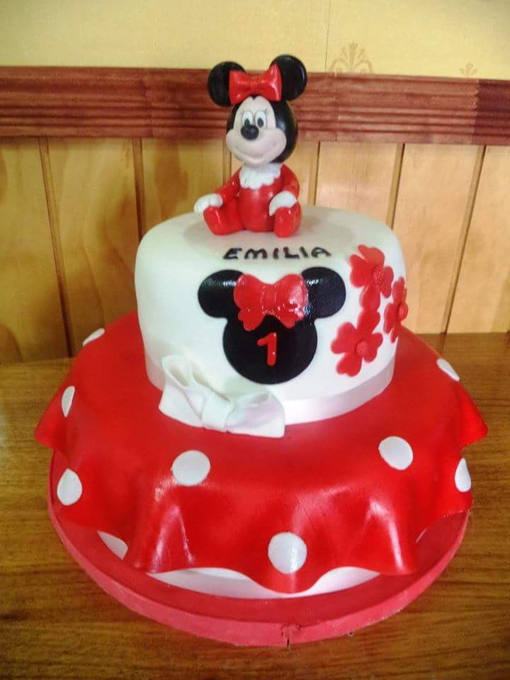 Más #Minnie #fondant #cake by Volován Productos #instacake #puq #Chile #VolovanProductos #Cakes #Cakestagram #SweetCake