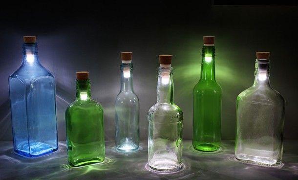 Lege flessen met ledlampjes
