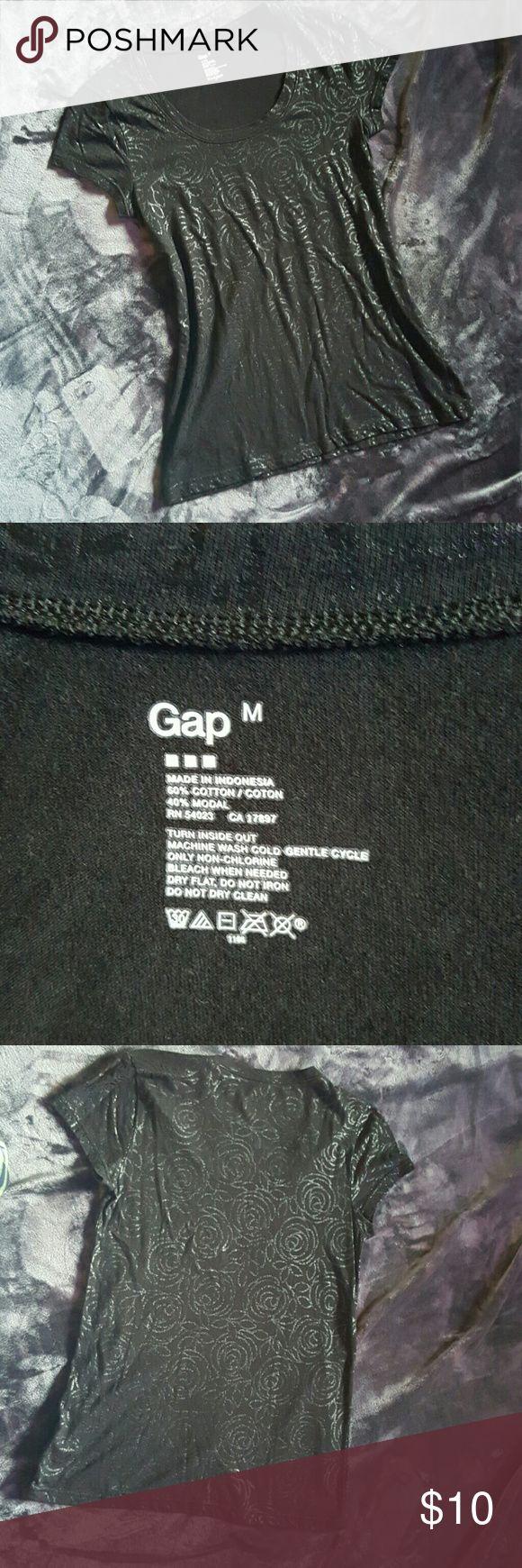 🚩FLASH SALE GAP black short sleeve top NWOT Gap black short sleeve top NWOT GAP Tops Tees - Short Sleeve