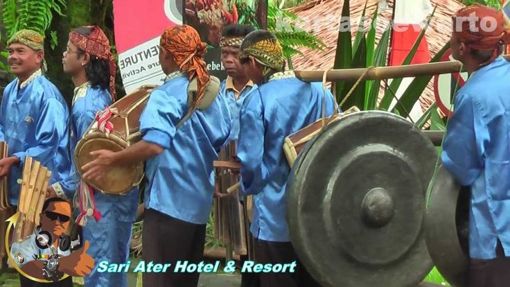 Calung Music - Sari Ater 2013  Ketika mengunjungi SARI ATER RESORT, Ciater, kabupaten Subang, Bandung Barat, propinsi Jawa Barat, Republik Indonesia. Alunan musik dan tembang Sunda akan mengalun terdengar jelas dan merdu karena memang untuk menyambut tamu yang sedang menikmati keindahan alam dataran tinggi yang sejuk.  Inilah video buatan Kartasoewarto Studio http://kartasoewarto.com SELAMAT MENIKMATI, Selamat berakhir pekan. Kita jumpa di sana !
