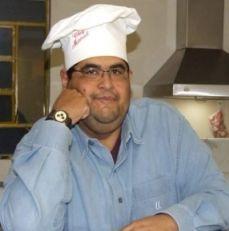 Manuel Alves Filho é jornalista por vocação e paixão e gourmet por deleite e inclinação. Figura carimbadíssima em Campinas e simpático que só ele,