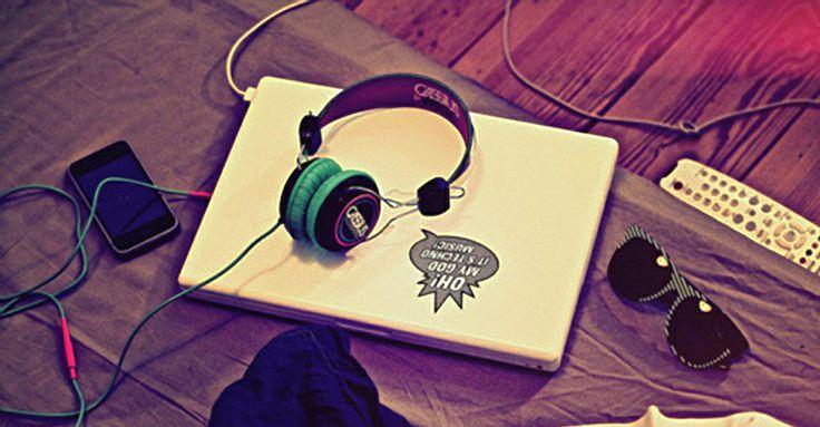 Los mejores servicios para escuchar música por Internet http://www.audienciaelectronica.net/2013/12/05/los-mejores-servicios-para-escuchar-musica-por-internet/