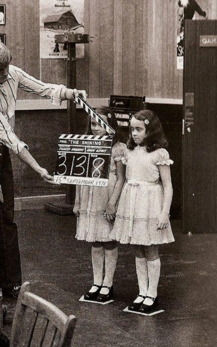 """Las gemelas de """"El resplandor"""" (The Shining), listas para entrar en acción."""
