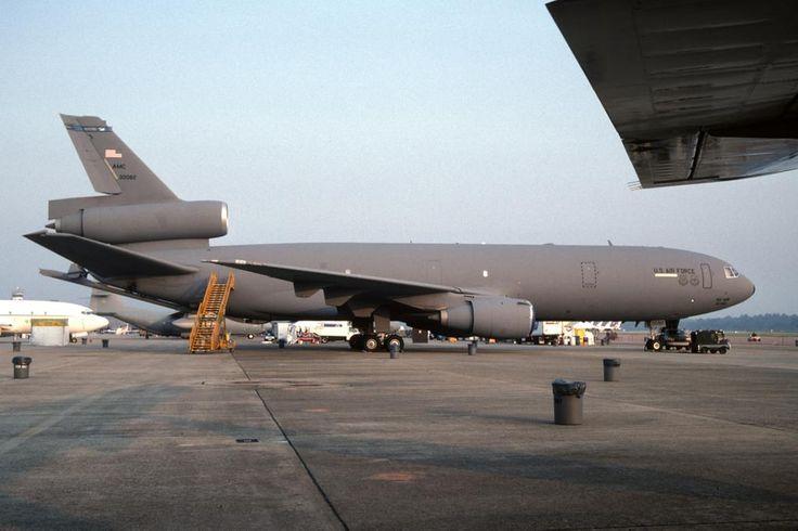 KC-10A, 83-0082, c/n 48223, 305 AMW, USAF visiting Hanscom AFB (KBED; Bedford, MA), 1997-06-21