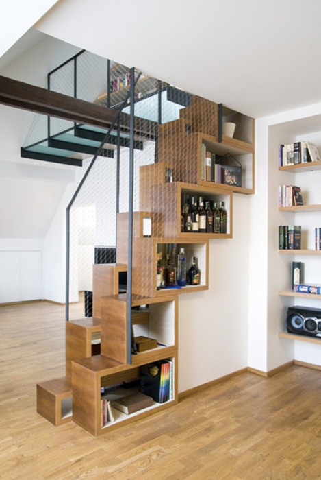 Stairs with alternative kind of shelving. What's the practicality for half stairs/turns?