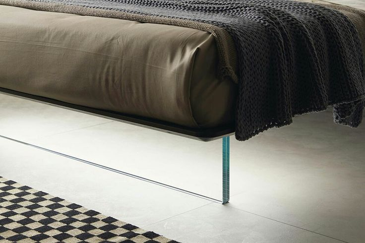 #bed #nightable #bedroom #furniture #luxury #design #interiordesign #madeinitaly #glass #light