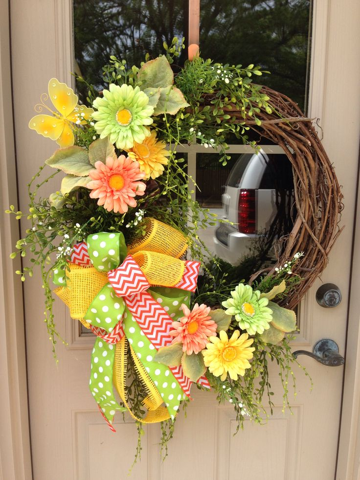 Light And Springy Summer Wreath Love These Colors From