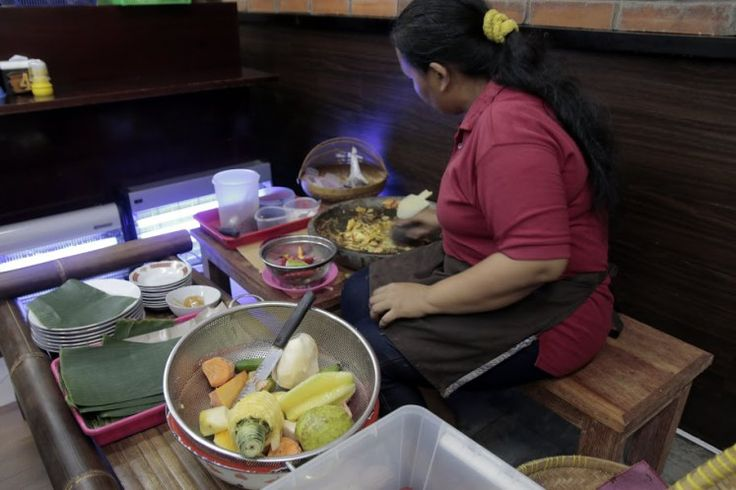 (NewPost) Menikmati Makanan Khas #Pekalongan di Serpong #KulinerIndonesia http://goo.gl/xn6vUu
