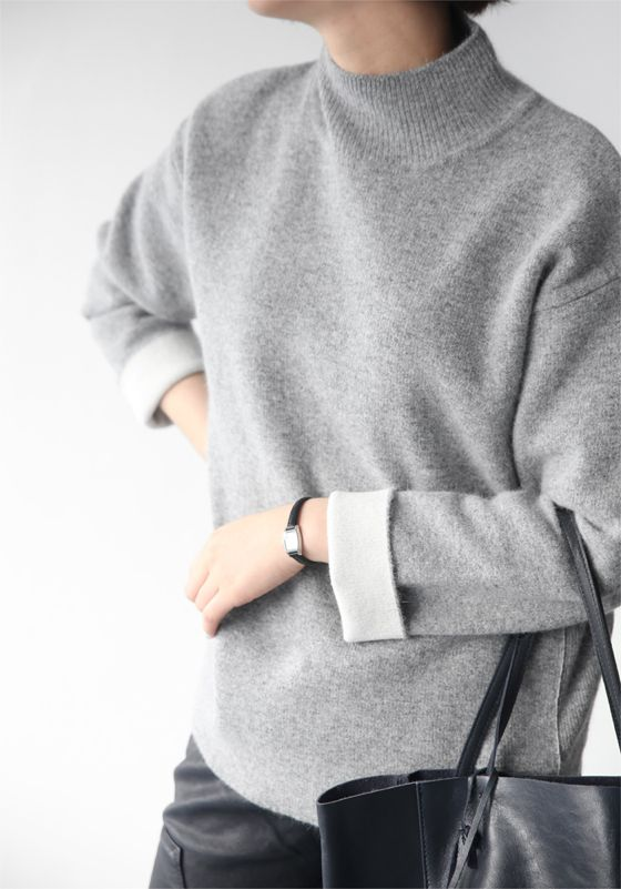 Relaxed Chic - grey sweater, understated style