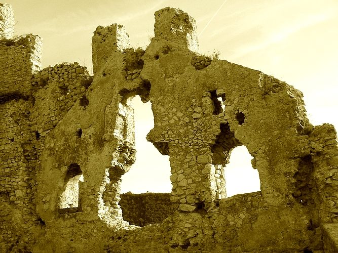 Old Medieval #fortress remnants in Catino